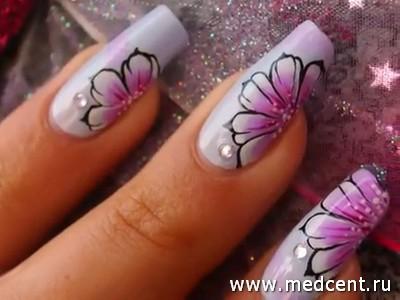 Еще цветок на ногте
