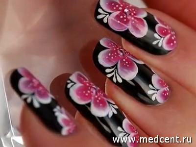 Бордовые цветочки