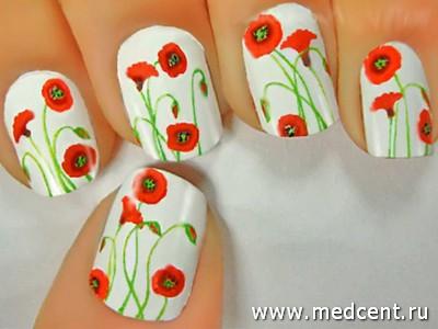 Декоративные маки на ногтях