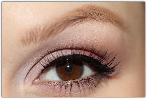 Макияж для карих глаз брюнеток: фото №7