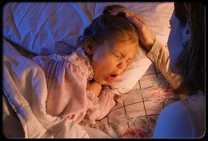1348822523_pertussis-whooping-cough-s1-girl-cough-in-bed