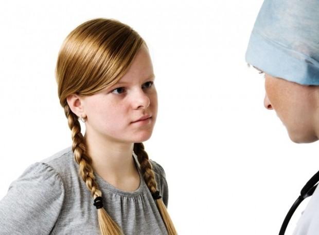 У девочек-подростков менструации только устанавливаются, и об этом часто го