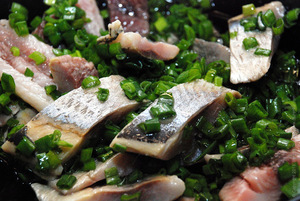 herring_with_onions_02