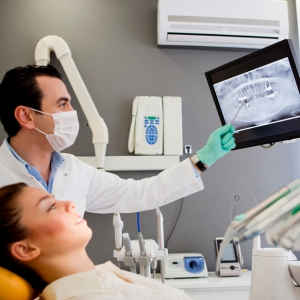 Удалили зуб с флюсом, а опухоль не спадает: разбираемся в причинах